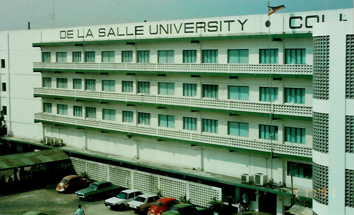 la salle university application essay Learn about the la salle university one admissions procedures la salle stipulates no requirements beyond an undergraduate degree an essay or personal.